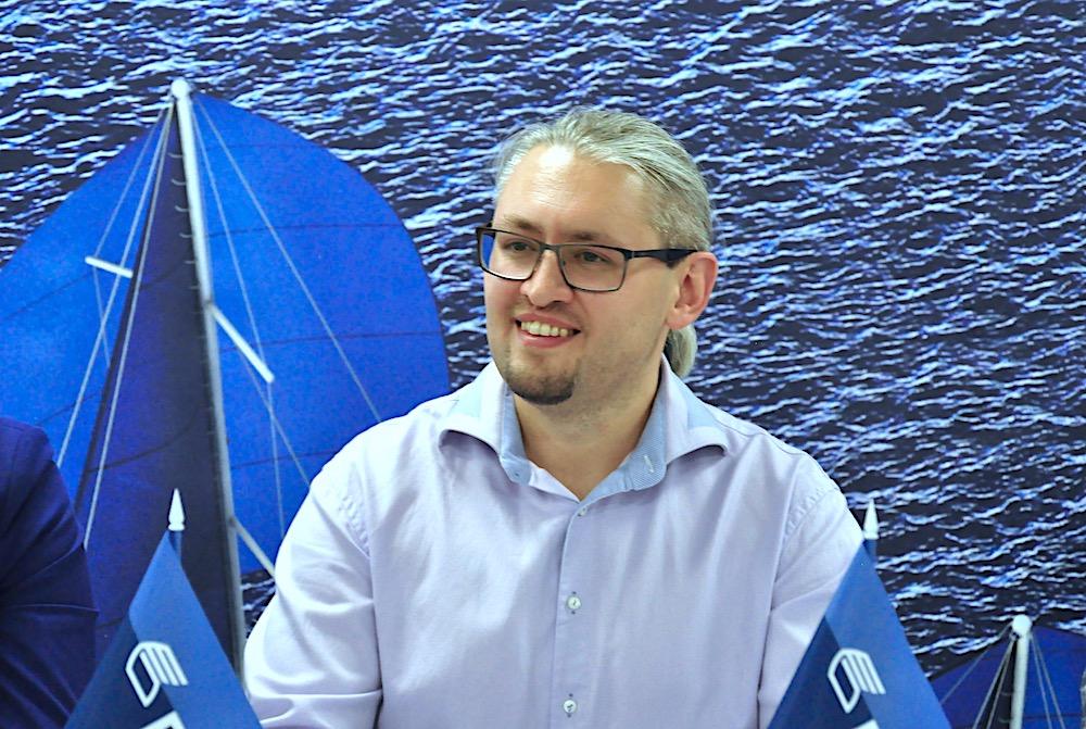 На фото:заведующий отделом рекламы и специальных проектов НЦСИ Захар Дудинский.