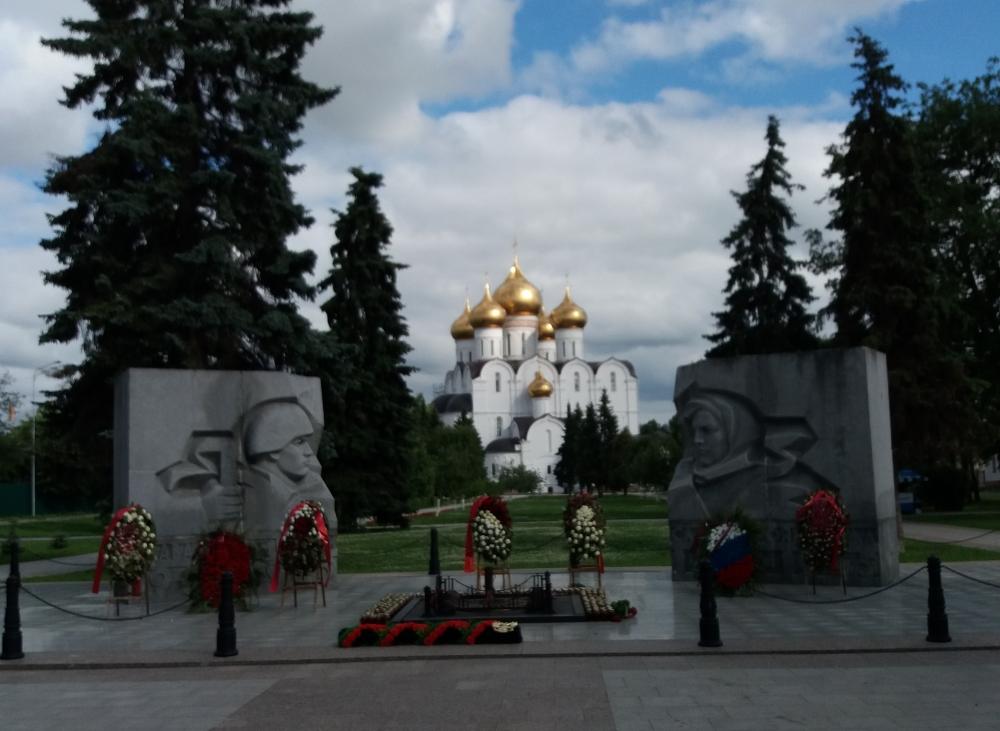 Успенский кафедральный собор в Ярославле.