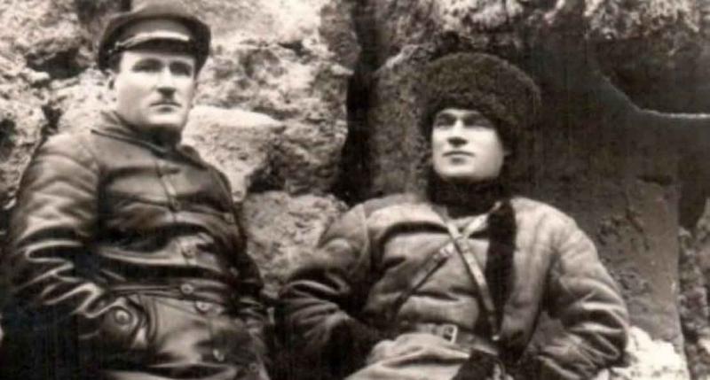Николай Гикало (справа) получил высшее партийное образование.