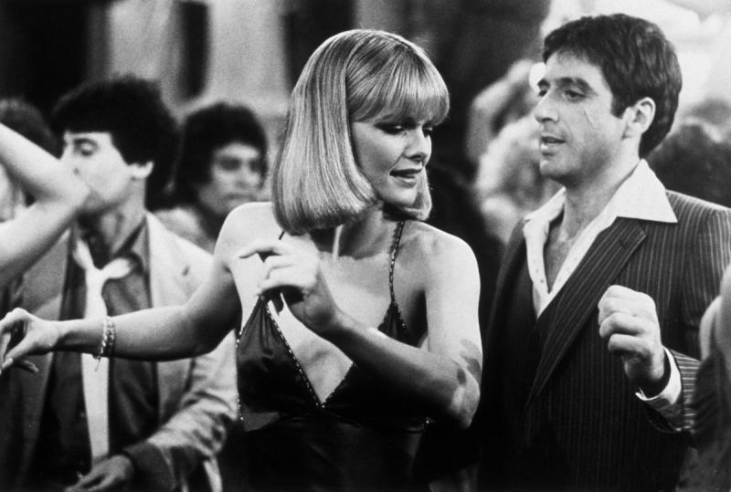 Знаменитой Пфайффер стала, сыграв «ледяную красавицу» в дуэте с Аль Пачино в фильме «Лицо со шрамом».