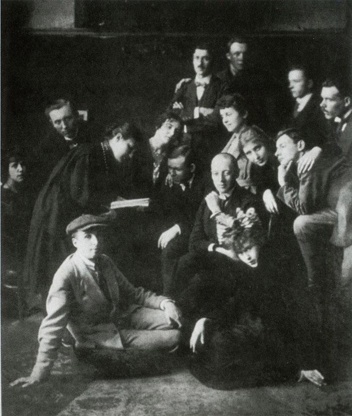 Поэтический кружок Гумилева «Звучащая раковина».