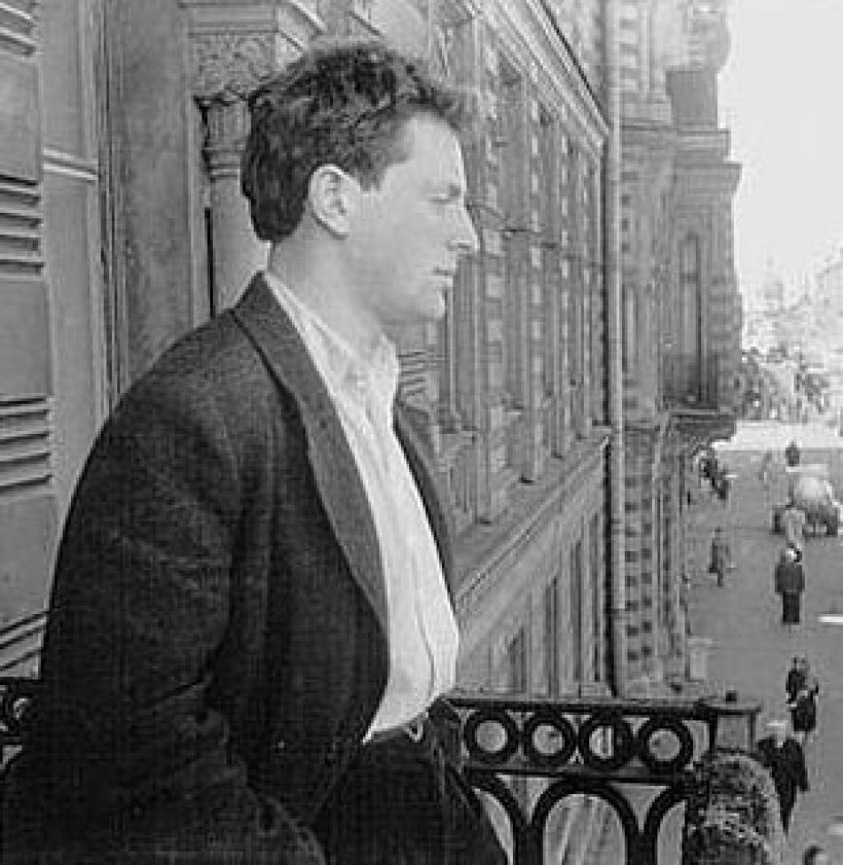 Ни в Ленинград, ни в Петербург поэт так и не вернулся.