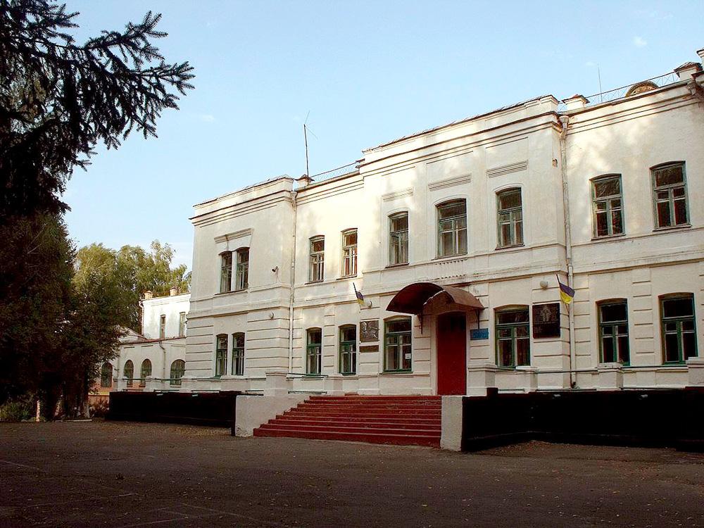 В бывшем имении фон Мекк в местечке Браилов теперь музей Чайковского.
