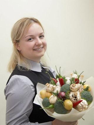Ольга ФЕДОСЕЕВА, специалист мастерской овощной флористики «Букет по вкусу».