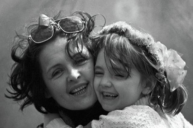 «Ничто, как семья, не дает такой багаж душевных переживаний!» Фото с дочерью Катей.