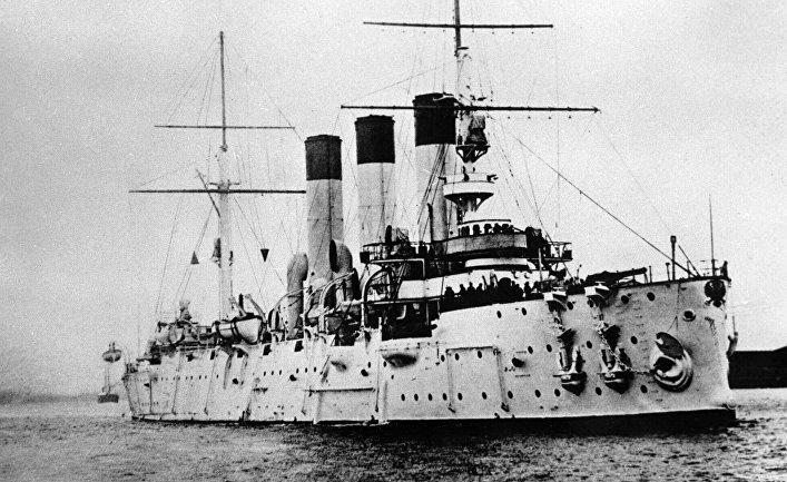 Сигналом к началу активных действий революционеров послужил выстрел из орудия крейсера «Аврора».