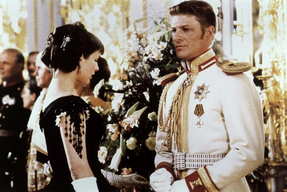 Бин сыграл в «Анне Карениной» вместе с Софи Марсо - и его Вронского называют одним из лучших.