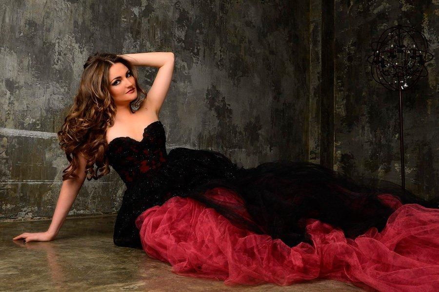 Оперная прима Оксана Волкова - одна из учениц известного педагога.