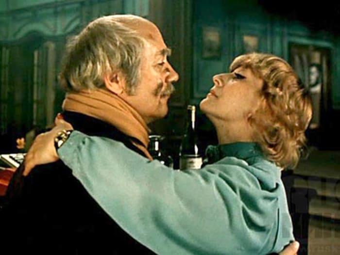 «При хорошей женщине и мужчина может стать человеком» - это из блистательного фильма «Ищите женщину».