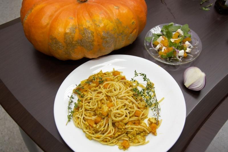 Спагетти по-восточному с тыквой