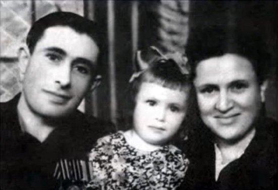«Всеми своими заслугами я обязана в первую очередь семье и Беларуси».