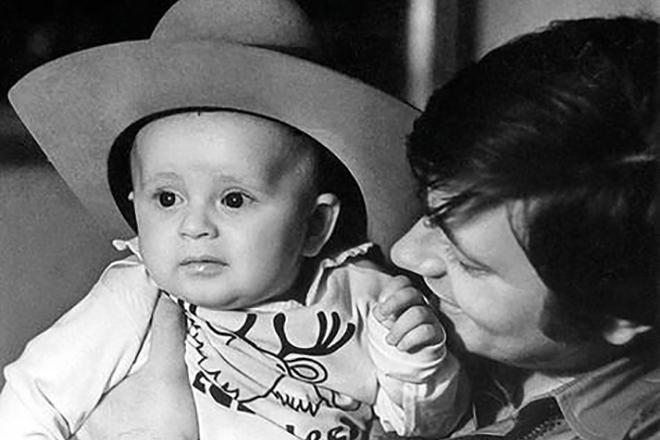 Сына Ивана актер очень любил. И жалел, что в нужный момент не оказался рядом с ним.