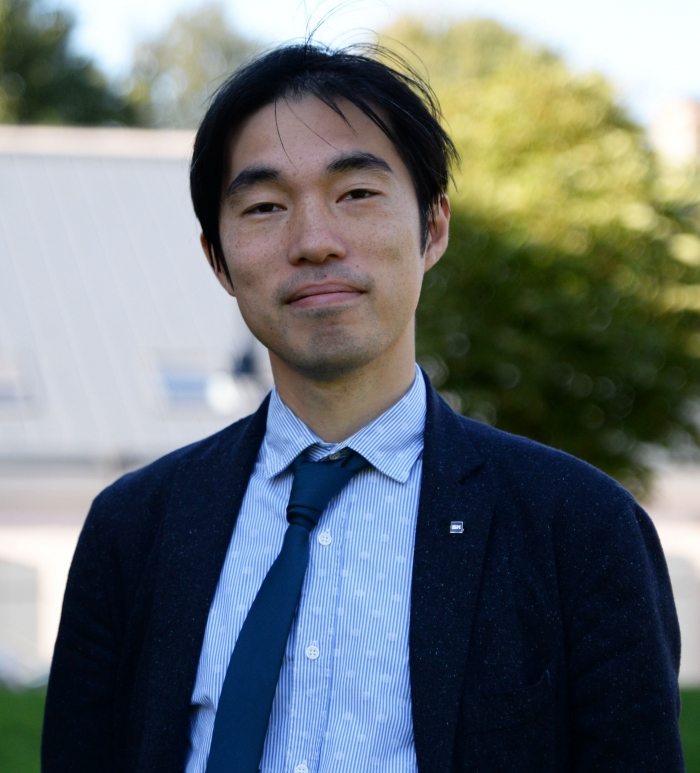 преподаватель ISM Томоюки Хашимото