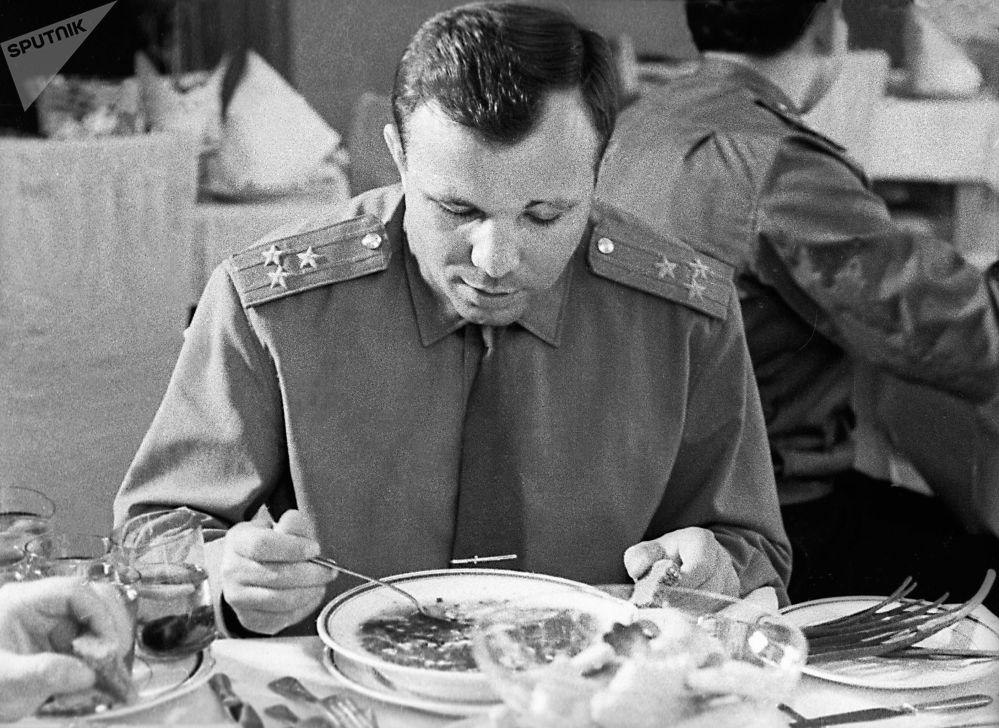 Юрий Алексеевич и сам был супных дел мастером.