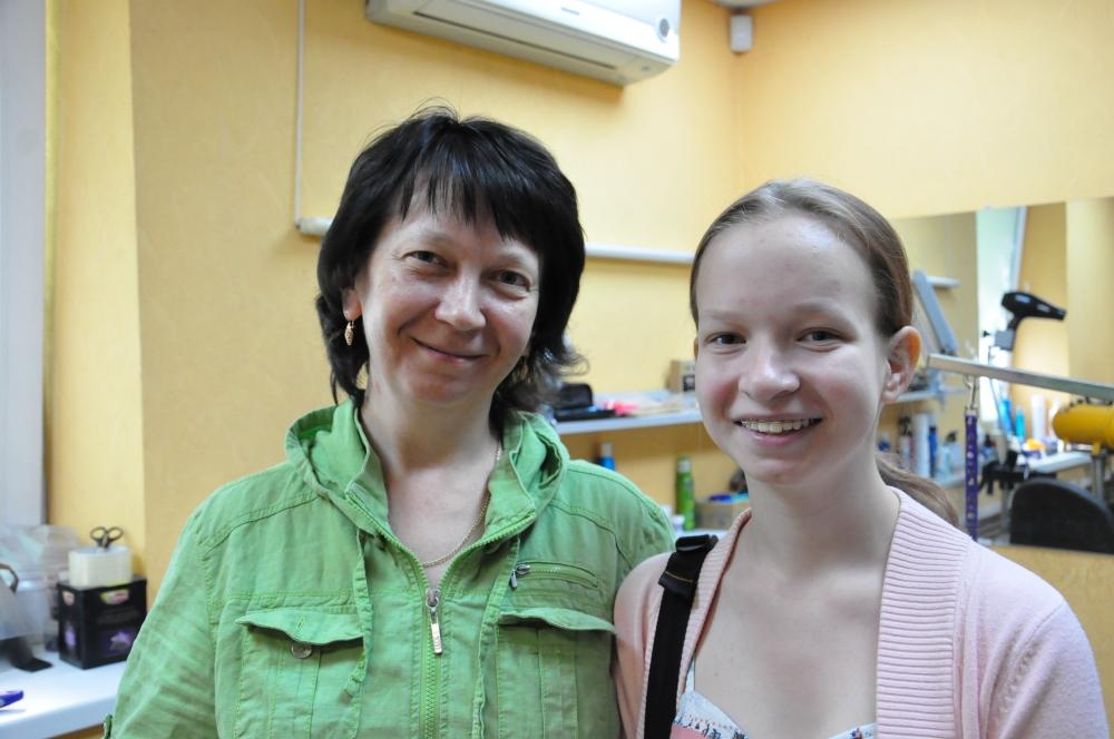 На фото: руководительницы ZooHotel Воложин Елены Крейнис вместе с дочерью.