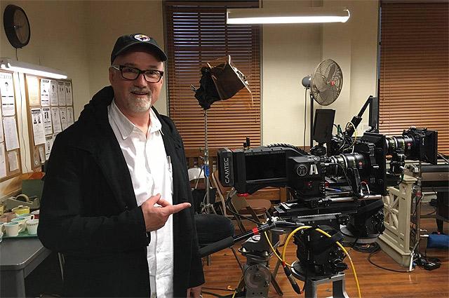 Дэвид Финчер на съемках «Охотника за разумом».