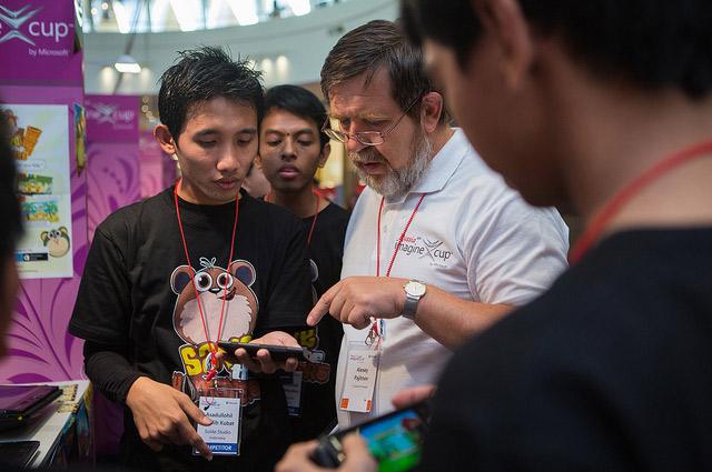 Сейчас Алексей Пажитнов не только создает игры, но и помогает начинающим разработчикам.