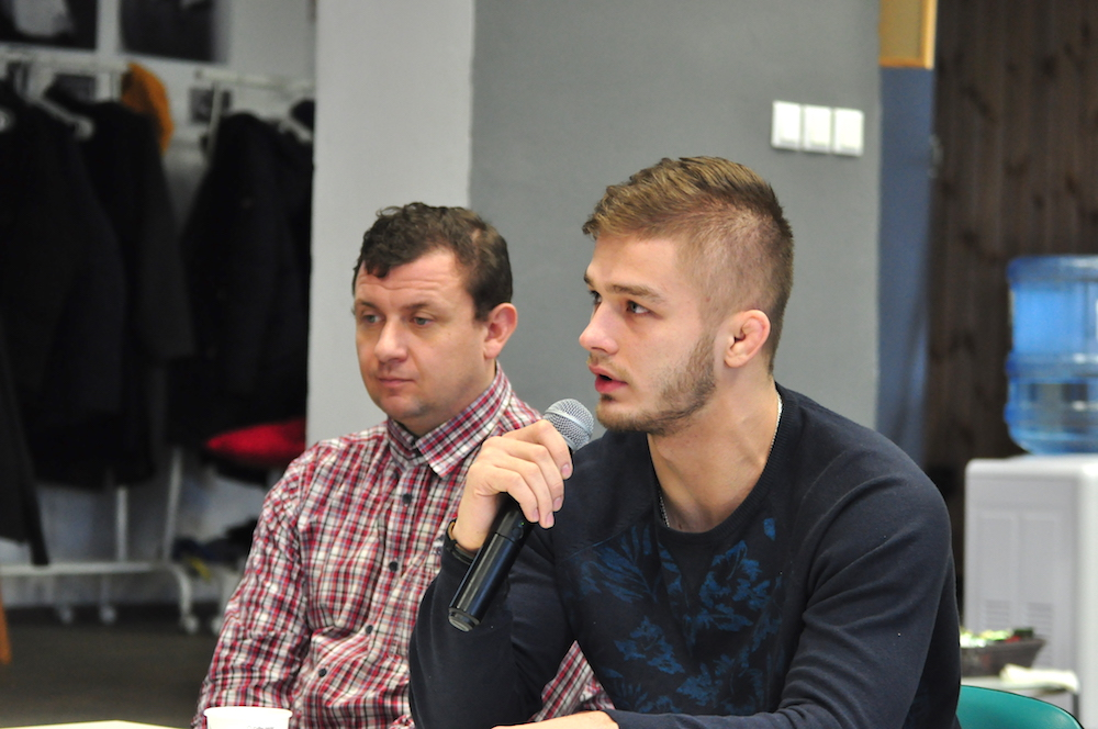 На фото: тренер проекта, чемпион Европы и вице-чемпион мира по панкратиону, белорусский боец ММА Вадим Куцый.