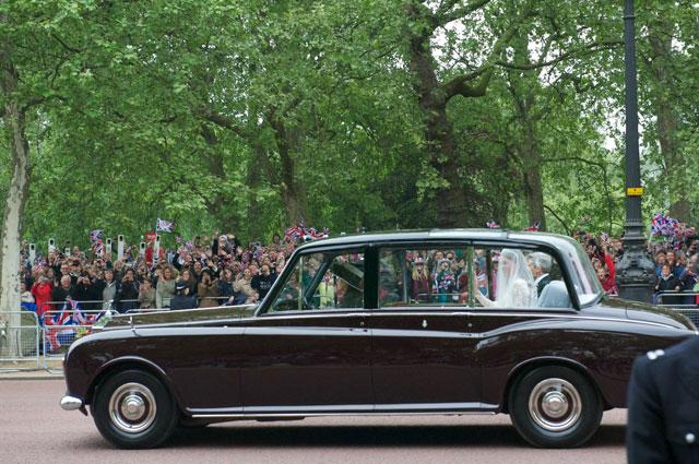 Кейт Миддлтон в Rolls-Royce Phantom VI.
