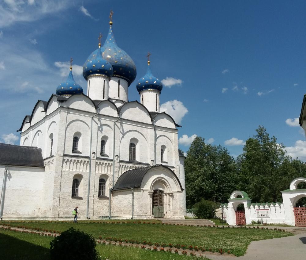 Собор Рождества Богородицы, входящий в список Всемирного наследия ЮНЕСКО, в Суздале.