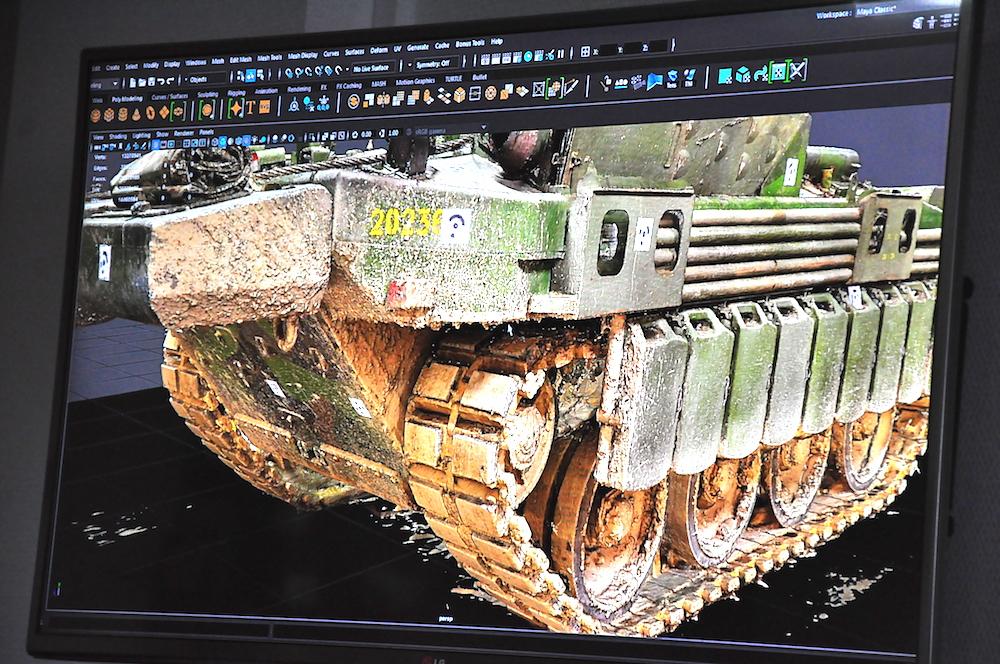 Для создания модели танка приходится изучать оригинальную технику.