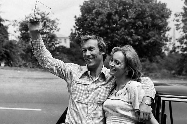 «Актер должен быть влюбчивым. Моей супруге Людмиле хватало мудрости это понять, а мне всегда хватало запаса любви к семье».