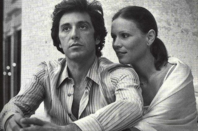 Актер умеет сохранять добрые отношения с женщинами: роман с Мартой Келлер, завязавшийся на съемках «Жизни взаймы», перерос в теплую дружбу.