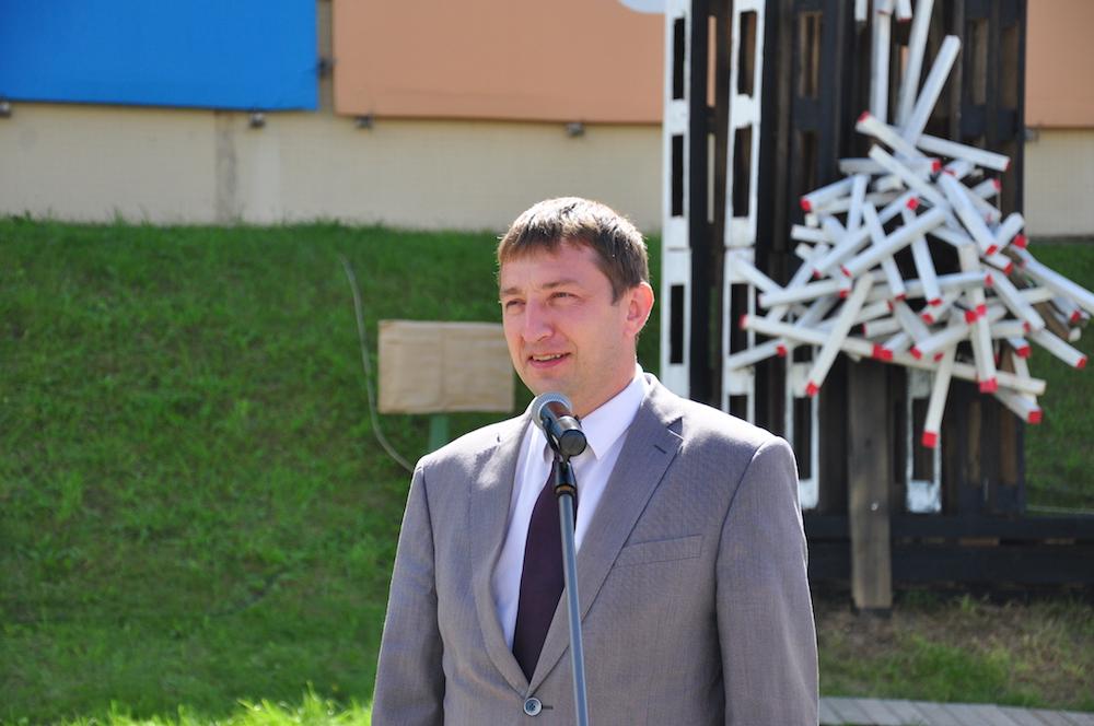 На фото: глава Фрунзенского района г. Минска Артем Цуран.